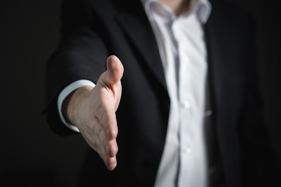 handshake Licensed Health Insurance Brokers Can Help You Find A Medicare Plan